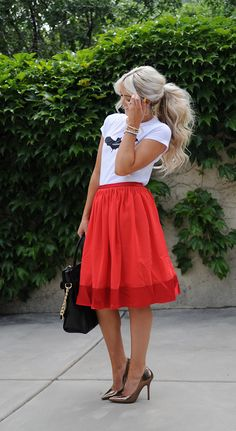 Spiegel Heather Skirt as worn by @Cara Van Brocklin #SpiegelStyle | Shop now: http://www.spiegel.com/heather-skirt-45475.html