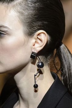 Theirry Mugler's Shape Earrings - '80s Trends Making a Comeback on the Runway - Photos