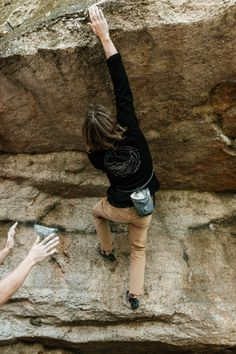 www.boulderingonline.pl Rock climbing and bouldering pictures and news United By Blue