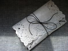 Great use for a rectangular doily Wrapping Gift, Gift Wraping, Wrapping Ideas, Cute Packaging, Jewelry Packaging, Packaging Ideas, Craft Gifts, Diy Gifts, Handmade Gifts