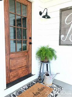 How I made our metal door look like wood – Lyndale Drive - Garage Door Wood Front Doors, Painted Front Doors, Front Door Colors, Front Door Decor, Metal Exterior Doors, Diy Exterior Door, Wood Interior Doors, Front Porch, Exterior Door Colors