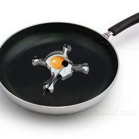Skull shaped eggs and pancakes woo!