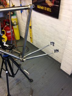 Chainstays and dropouts now in place. Next is the seatstays.