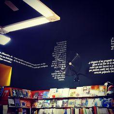 """""""#diseño #vinilo # interior #corte # libros #tucuman"""" Desktop Screenshot, Instagram, Vinyls, Libros, Interiors"""