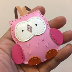 Small size - Fanny the Owl cowhide leather charm ( Baby Pink )