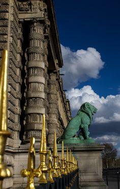 The Louvre -Paris France Monuments, Paris France, Places To Travel, Places To See, Paris Balcony, Louvre Paris, Le Palais, Famous Places, Paris Travel