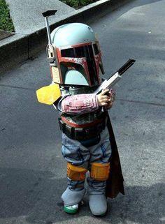 Fantasia do filme star wars ! Boba Fett é um personagem fictício do universo da série Guerra nas Estrelas, que ocupa simultaneamente os papeis de vilão e de anti-herói e é um dos dois antagonistas de O Império Contra-Ataca, juntamente com Darth Vader.
