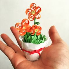 Flores en filigrana para ese regalo especial. Búscanos en Facebook!