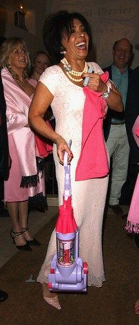 Unofficial Dame Shirley Bassey News and Features Shirley Bassey, Singer, Female, News, Blog, Style, Fashion, Swag, Moda
