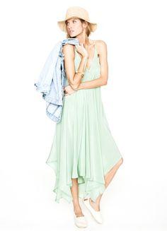 Pretty and flowy green dress