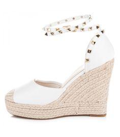 576a94782c2e8 Ploché sandále staroružové espadrilky s cvokmi   Dámske sandále ...