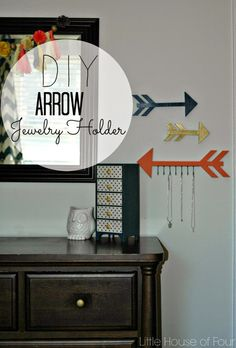 Wood Arrow Jewelry Organizer, Home Accessories, Little House of Four: Wood Arrow Jewelry Organizer ~ shared at DIY Sunday Showcase Link Party on (Saturdays at CST). Diy Organizer, Jewelry Organization, Organization Ideas, Organizing, Diy Jewelry Holder, Diy Jewelry Making, Wood Arrow, Arrow Art, Arrow Jewelry