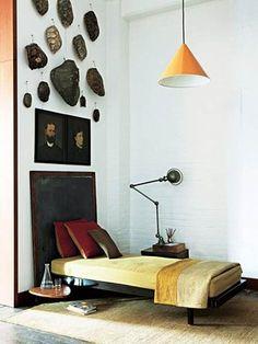 【ELLE DECOR】昼寝の場所には、 亀の甲羅をディスプレイ|エル・オンライン