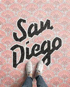 Na série Fauxsaics, designer cria mosaicos tipográficos de todos os destinos que visita - Follow the Colours
