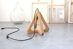 Rustic Table Lamps, Diy Dining Table, Table Lamp Wood, Wooden Lamp, Wooden Diy, Lampe Laser, Luminaria Diy, Diy Luminaire, Diy Hanging Shelves