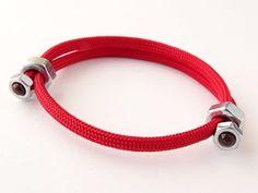 "How to Make ""Easy to Put on"" Sliding Hex Nut Paracord Friendship Bracelet-CbyS Diy Bracelet Ends, Nut Bracelet, Bracelet Knots, Bracelet Crafts, Bracelet Sizes, Diy Bracelets With Names, Bracelets Fins, Bracelets For Men, Handmade Bracelets"