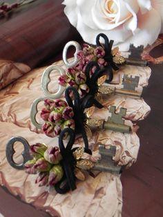 Boutonniere Vintage Keys