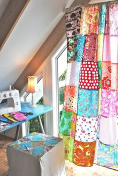 make a patchwork curtain..Beach Vintage: Project Day: Studio Curtain #patchwork #summer: