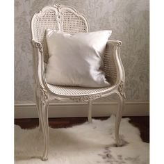 Bedroom Chairs Uk, White Bedroom Chair, Wicker Bedroom, Bedroom Furniture, Wicker Chairs, Wicker Furniture, Eat Sleep Live, White Dressing Tables, 25 Beautiful Homes