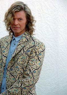 David Bowie - what a beautiful man David Jones, Beatles, Beautiful Men, Beautiful People, Amazing People, David Bowie Starman, Ziggy Played Guitar, The Thin White Duke, Major Tom