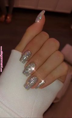 new years nails glitter ~ new years nails ; new years nails acrylic ; new years nails gel ; new years nails glitter ; new years nails dip powder ; new years nails design ; new years nails short ; new years nails coffin Cute Acrylic Nails, Cute Nails, Pretty Nails, Silver Acrylic Nails, New Year's Nails, Hair And Nails, Shiny Nails, Nails For New Years, Nails Today