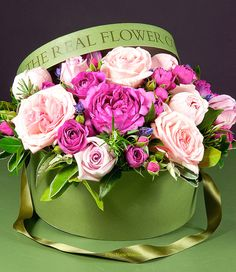 Luxury Flowers for Delivery - The Real Flower Company Hat Box Flowers, Flower Hats, Flower Boxes, Real Flowers, Pretty Flowers, Pink Flowers, Bouquet Box, Flower Company, Luxury Flowers
