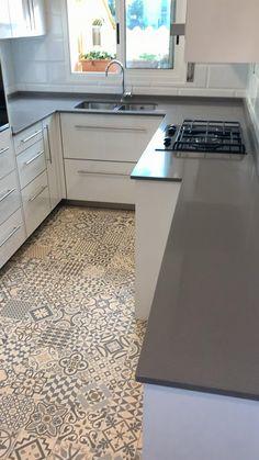 Kitchen Layout Plans, Kitchen Pantry Design, Luxury Kitchen Design, Interior Design Kitchen, Kitchen Decor, Kitchen Dining, Dining Room, Kitchen Cabinet Remodel, Cuisines Design