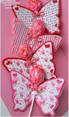 60 amazingly sweet Valentine's Day treats for kids - Hike n Dip . 60 amazingly sweet Valentine's Day treats for kids – Hike n Dip Kids Crafts, Valentine Crafts For Kids, Valentines Day Treats, Valentines Day Decorations, Holiday Crafts, Valentine Gifts, Valentine Day Box Ideas, Butterfly Gifts, Butterfly Party