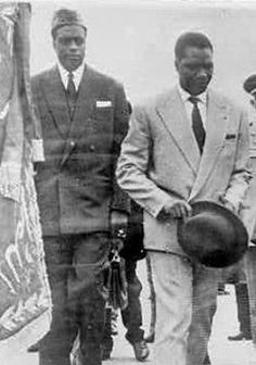 Les Présidents Modibo KEITA (Mali) et Ahmed Sékou TOURE (at Casablanca airport for an African Summit, 1961).