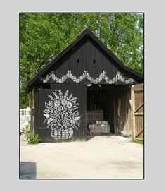 what a nice idea for an old shed.  And there are so many old sheds here in VT!