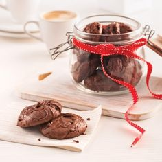 Brownie Biscuits – Recipes – Cooking and Nutrition – Pratico Pratique - DIY Christmas Cookies Biscuits Brownies, Biscuit Cookies, Biscuit Recipe, Desserts With Biscuits, Cookie Desserts, Easy Christmas Cookie Recipes, Christmas Cookies, Christmas Ideas, Best Christmas Crackers