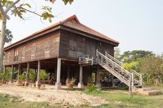 Khmer house in Siem Reap Asian Architecture, Vernacular Architecture, Asian House, Bamboo House, Siem Reap, Wooden House, Christmas Paper, Traditional House, Southeast Asia