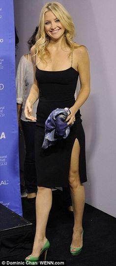 kate hudson + black dress
