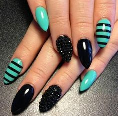 No sure about the shape BUT the color combination is AMAZING!!! DIY Stiletto Nails : DIY Stiletto Nails