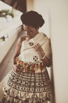 fiji wedding - traditional dress - Masi