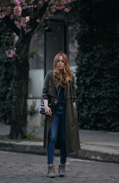 Desi is wearing: Oversized trench coat, Proenza Schouler PS11 Mini Classi bag, Isabel Marant Raelyn suede boots, navy skinny jeans, navy blouse, boyfriend watch - teetharejade.com