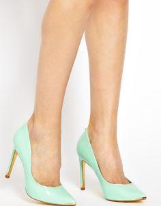 Ted Baker | Зеленые туфли-лодочки на каблукеTed Baker Thaya на ASOS