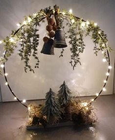 Outdoor Christmas Decorations, Christmas Centerpieces, Rustic Christmas, Christmas Home, Christmas Wreaths, Christmas Ornaments, Christmas Decorating Ideas, Christmas Projects, Holiday Crafts