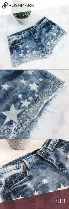 Star Print Frayed Hem Shorts Pre-loved but in good condition! Average wear. No stains, large snags, or tears. (001-0034)   PRODUCT DETAILS: •Size: 5 / 6 or Small •Colors: Blue •Made in China •Measurements: coming soon!  •Light and dark wash • 100% cotton •Machine Wash  •Star Print Design •Frayed Hems •4 Pockets •Distressed •Bronze Accents  Tags: acid washed bleached summer short beach pool casual 4th of July patriotic USA United States party flag jean denim Fire Los Angeles Shorts Jean…