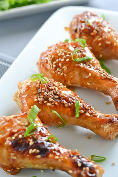 These sticky honey sesame drumsticks are delicious and so easy to make. The skin is sticky and sweet while the inside remains moist and tender, (Sesame Chicken Drumsticks) Turkey Recipes, Chicken Recipes, Dinner Recipes, I Love Food, Good Food, Yummy Food, Tasty, Asian Recipes, Healthy Recipes