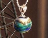 collier verre filé au chalumleau boule cosmos tout argent 925 : Collier par liloo-creations