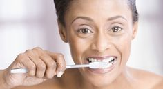 How to Make Your Own Healthy Toothpaste (Recipe included)