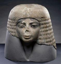 エジプト新王国時代(紀元前1550年ごろ-紀元前1050年ごろ)に制作された、約3000年前の古代エジプト人のものとみられている。確かに良く似ている。もしかしたらマイケルはタイムトラベラーだったのかもしれない