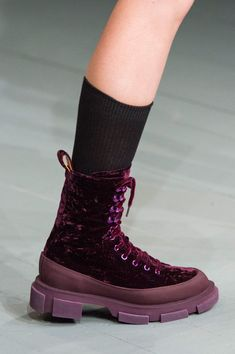 / berry colored footwear / london fashion week / spring 2019 / pictures from the on off presents runway show / Fashion Boots, Sneakers Fashion, Older Women Fashion, Womens Fashion, Fashion Trends, Men's Shoes, Shoe Boots, Stylish Clothes For Women, Kinds Of Shoes