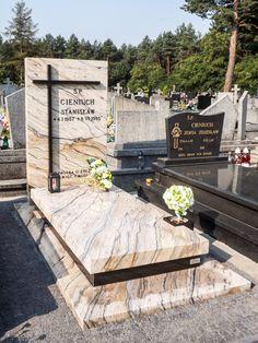 nagrobki granitowe tradycyjne Cemetery Monuments, Cemetery Headstones, Tombstone Designs, Cemetery Decorations, Yard Design, Funeral, Sidewalk, Istanbul, Beautiful
