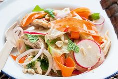 Vietnamese chicken salad recipe, NZ Woman's Weekly – Fresh and full flavoured, this is very popular picnic fare! – foodhub.co.nz