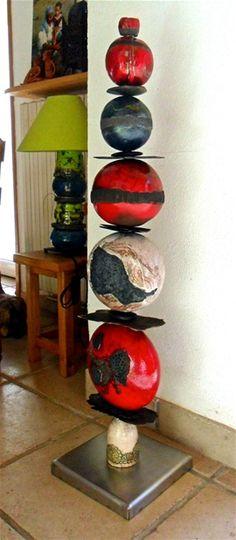 1000 id es sur le th me totems de jardin sur pinterest jardin de verre art des jardins et - Decoration jardin exterieur poterie ...