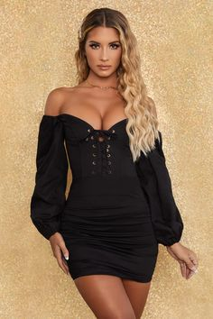 Show 'em you're irreplaceable in our seductive milkmaid style dress. Our bardot mini dress is designed with balloon sleeves and a lace-up corset body to sculpt your shape. Short Mini Dress, Mini Dress With Sleeves, Hot Dress, Dress Skirt, Fall Fashion Outfits, Fashion Dresses, Women's Fashion, Plunging Neckline Dress, Asian Bridal Dresses
