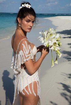 A bela Isabeli em seu casamento. Exclusivo e é o primeiro vestido bridal da Água de Coco Brasil. Apaixonada!!!