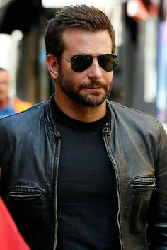 Bradley Cooper stunned restaurant goers on Sunday when he appeared behind the counter of Burger King, flipping burgers, cooking fries, and taking orders. Diavel Ducati, Best Street Style, Janet Jackson, Christina Hendricks, Beard Styles, Mannequins, Bearded Men, Gorgeous Men, Sexy Men